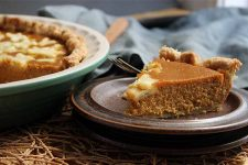 Browned Butter and Sage Pumpkin Pie | Foodal.com